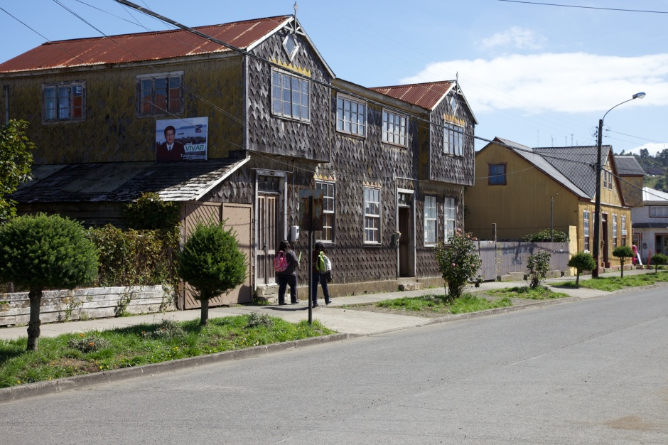 Shingle-fronted houses in Achao