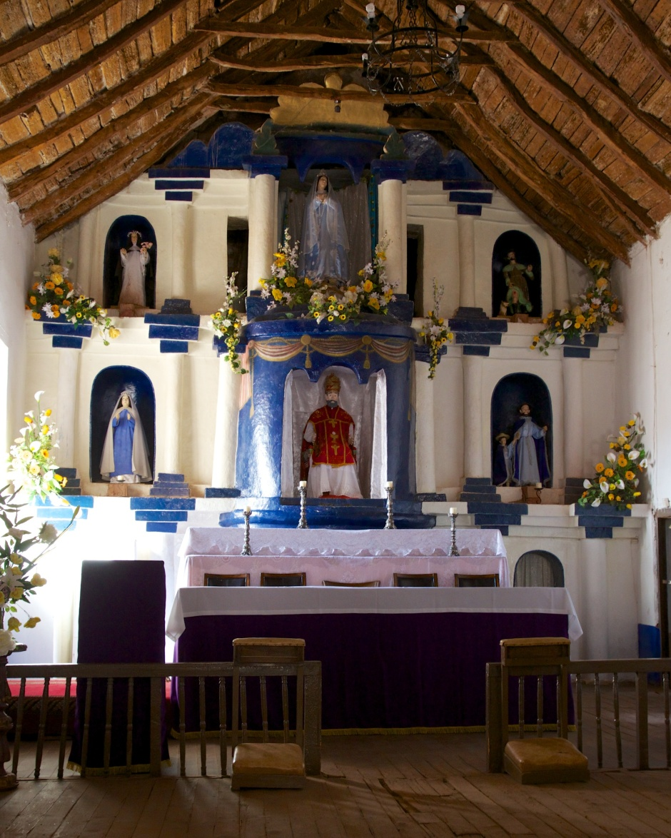 The alter of Iglesia San Pedro