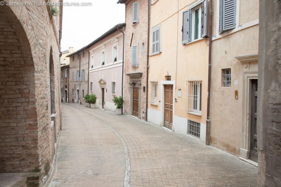 A quiet street in Urbino