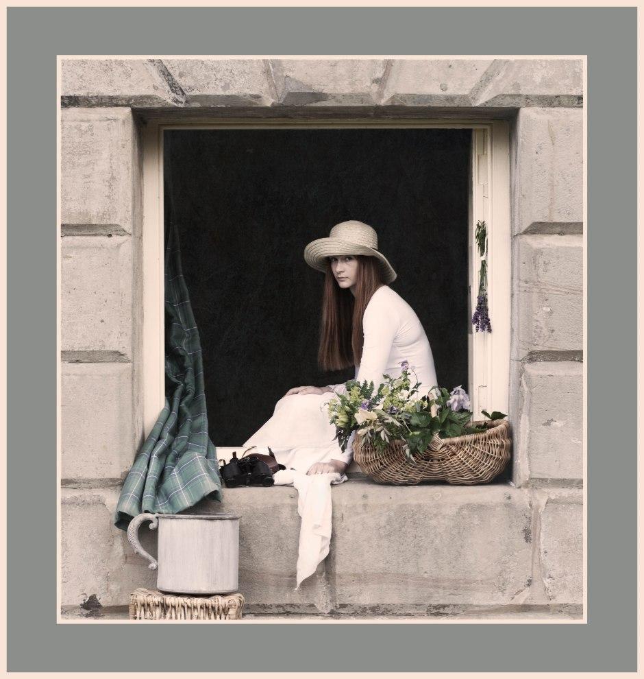 20140707-girl-in-the-window